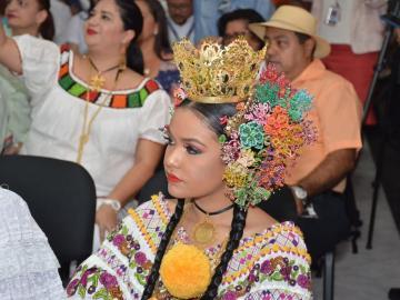 Desfile de las Mil Polleras resalta el turismo cultural de la región