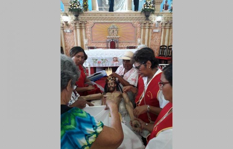Veneran la imagen del Cristo de Esquipulas