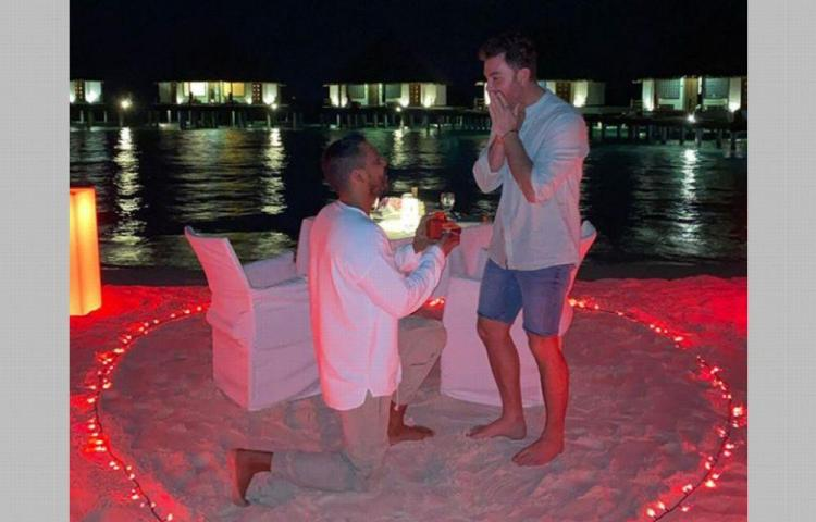 Actor mexicano propone matrimonio a su novio