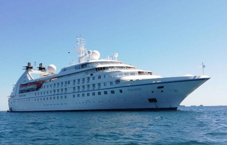 Llegan los cruceros al Parque Nacional Marino Golfo de Chiriquí con miles de turistas