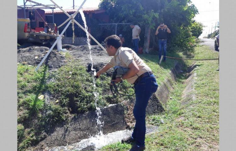 Perforan pozos para hacerle frente a la temporada seca