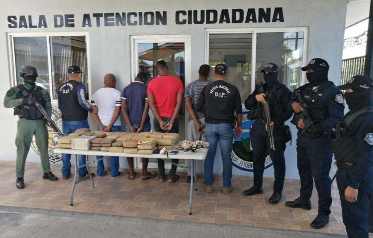 Decomisan droga y dinero en operativos en San Miguelito