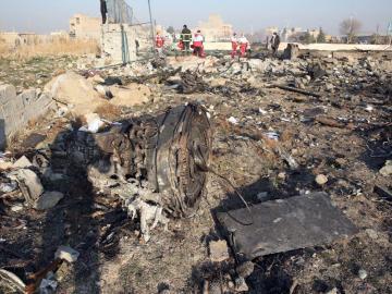 ¿Misil de Irán derribó por error un avión de pasajeros?
