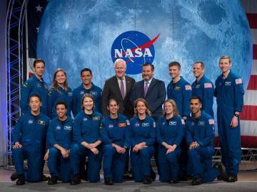 La generación de astronautas que viajarán a la Luna y Marte se gradua