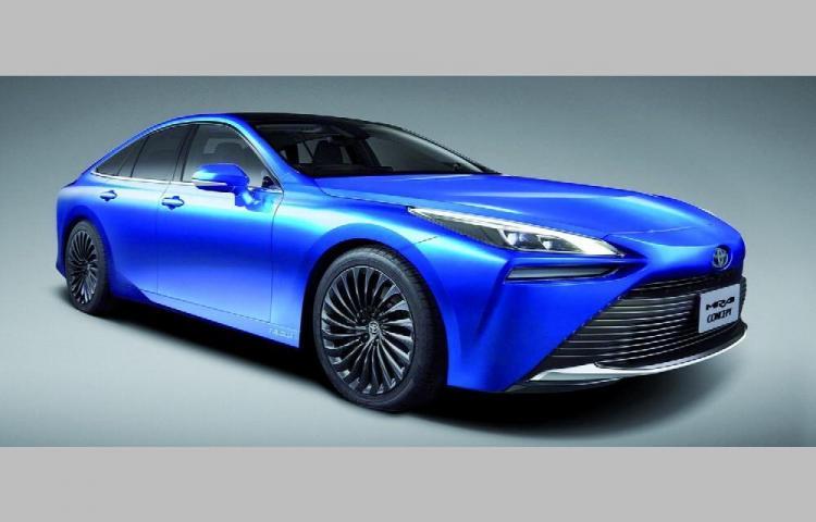Toyota y su primer vehículo de hidrógeno