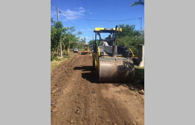 Están reparando los caminos de producción en Bugaba