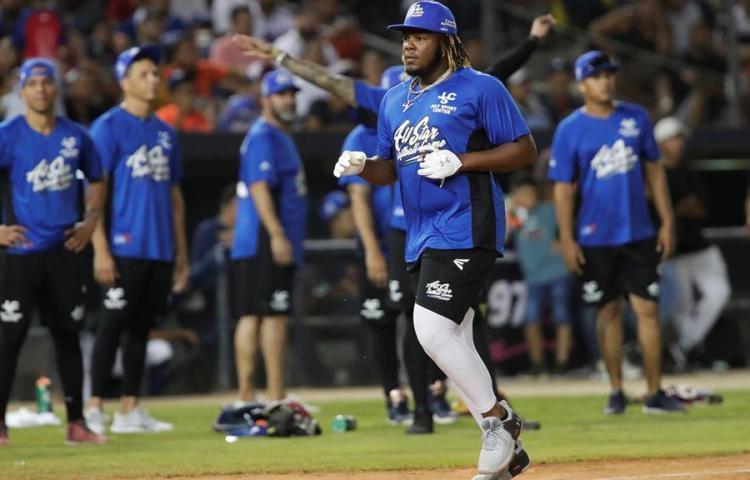 Grandes ligas latinos hicieron vibrar a Panamá en un juego de exhibición