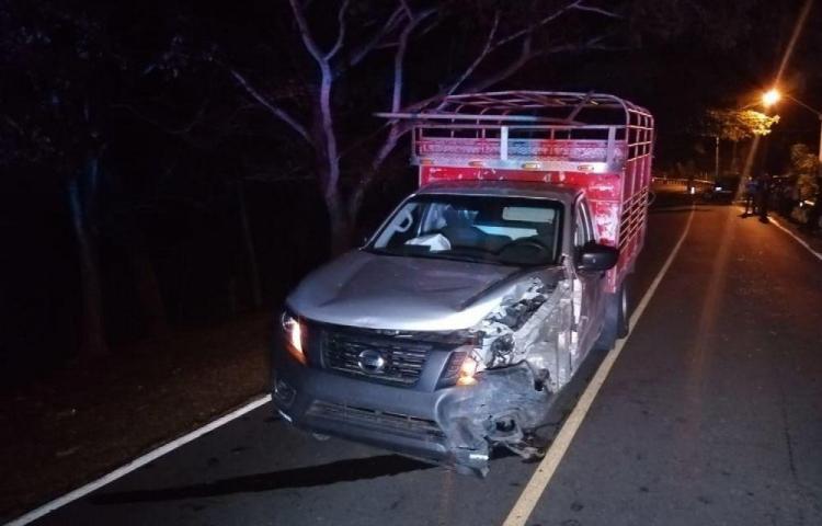 Primera víctima por choque frontal de vehículos en el Oeste