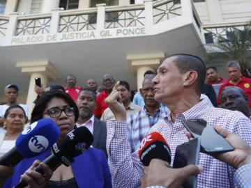 Transportistas presentan recurso y siguen en diálogo