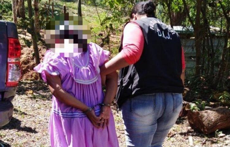 Mujer que le echó herbicida a cerveza para envenenarlo está en prisión