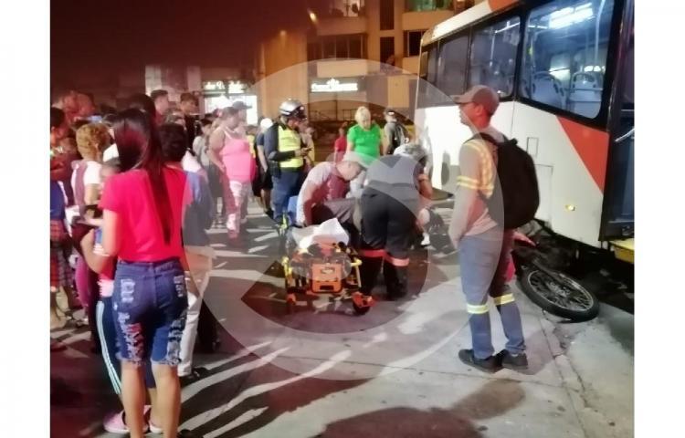 Atropellan a motorizado en El Marañón
