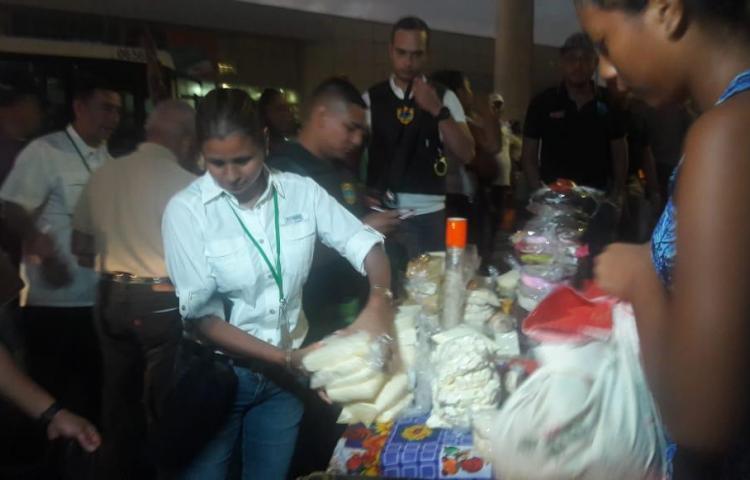 Salud le cae a lo vendedores de quesos