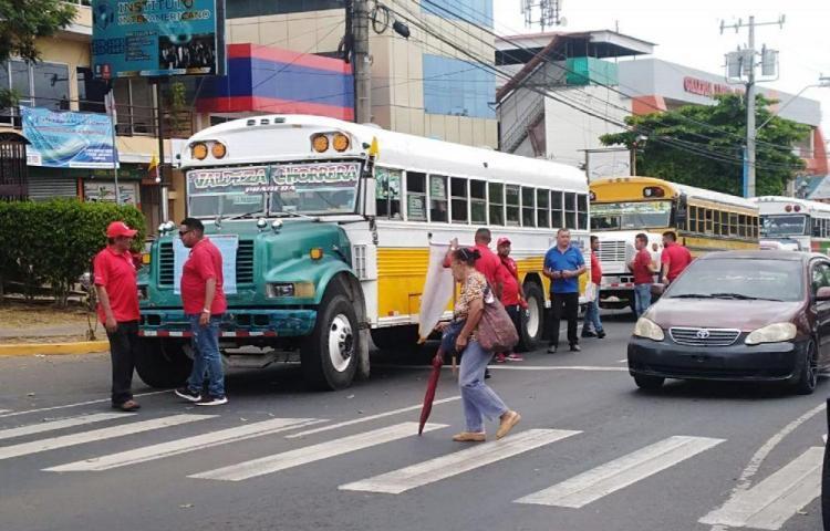 Transportistas de La Valdeza buscan ser independientes