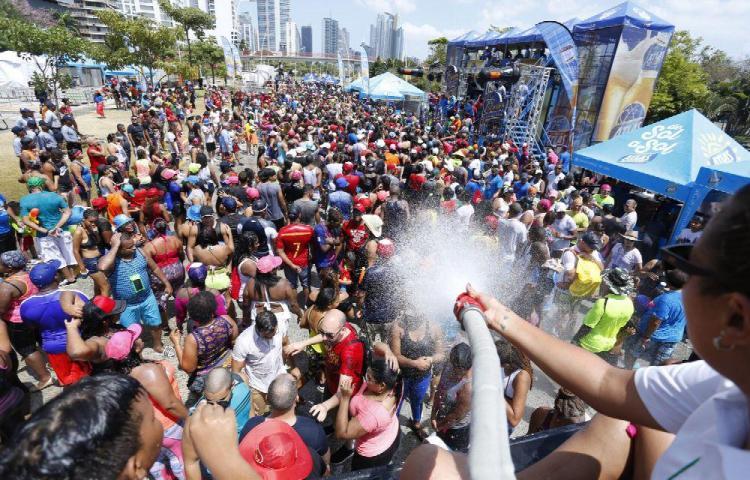 Carnavales cerca y el VIH al acecho