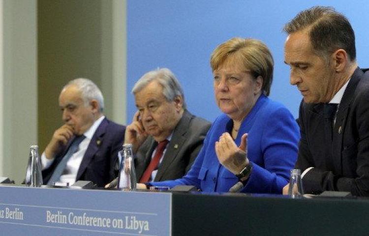 La conferencia sobre Libia acuerda el alto el fuego y el respeto al embargo de armas