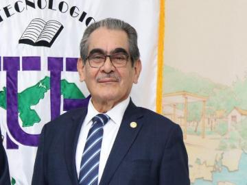 Por destitución ilegal denuncian al rector de la UTP ante Senadis