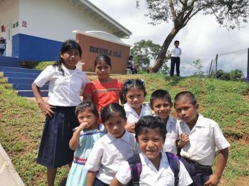 Aumentan el FECE a escuelas en áreas de difícil acceso y en las comarcas