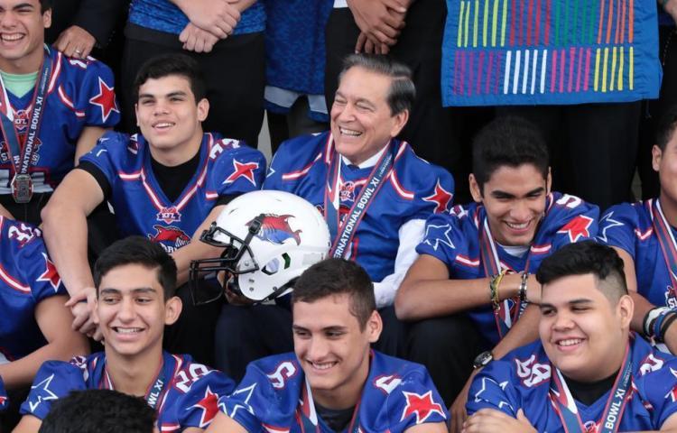 Cortizo recibe a campeones del Torneo Internacional de fútbol americano