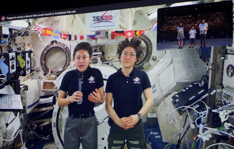 Estudiantes panameños hablan en directo con astronautas de la NASA en la EEI