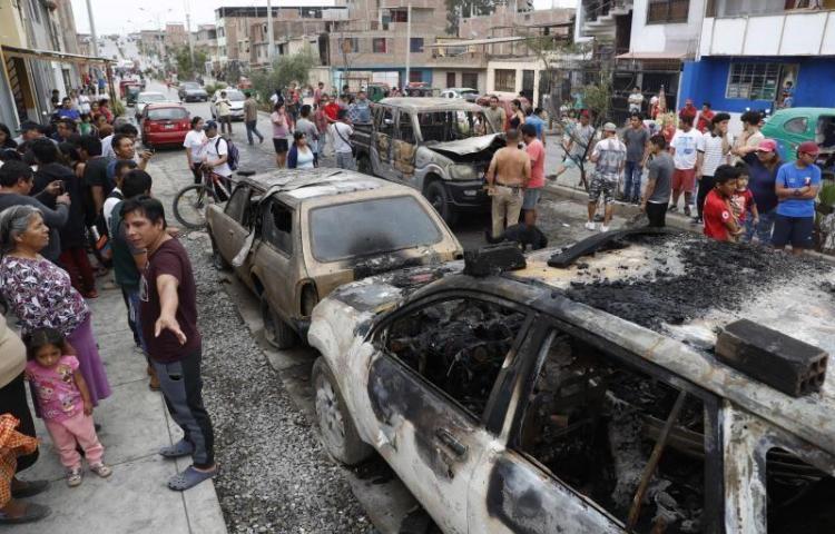 A 13 suben los muertos por deflagración de gas en Lima, entre ellos un venezolano