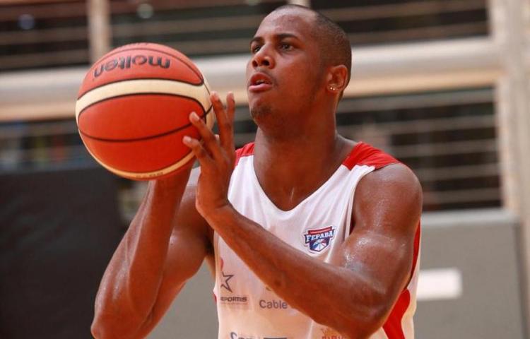 Ernesto Oglivie, de vuelta al baloncesto uruguayo
