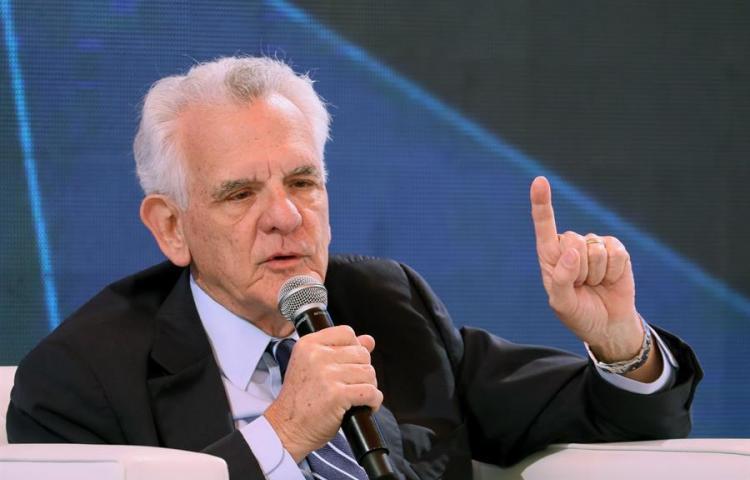 Grupo Prisa de España abandona Panamá al vender cadena de radio a grupo TVN Media