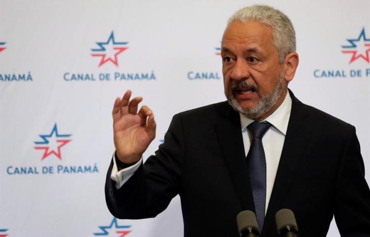 El salario de 26.600 dólares mensuales al jefe del Canal crea polémica en Panamá