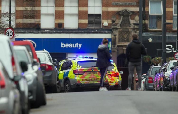 """Al menos tres heridos y el agresor abatido por un """"incidente terrorista"""" en Londres"""