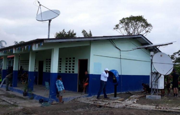 84 escuelas en áreas de difícil acceso tendrán Internet