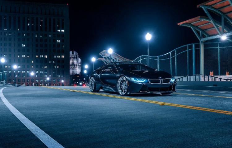 'TrackNight' fue un éxito total Velocidad, adrenalina, luces y carretera.