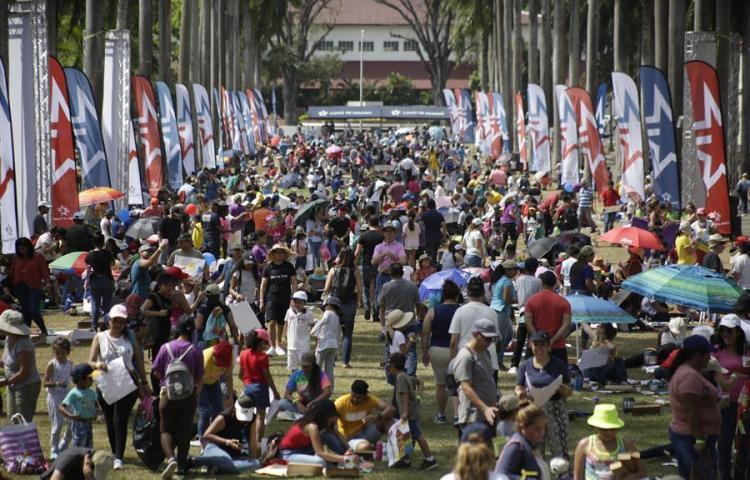 Miles de pinceles y acuarela en Panamá para salvar mundo lleno de excluidos
