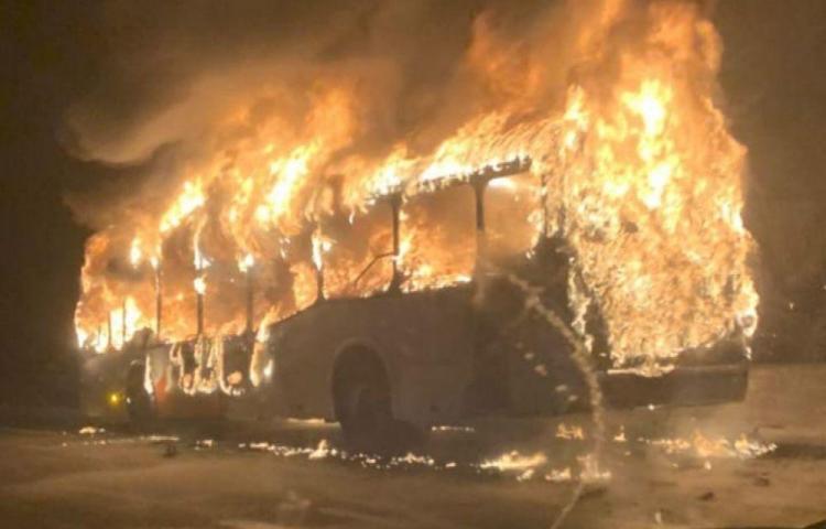 Mi Bus investiga fuego en un metrobús en el corredor norte
