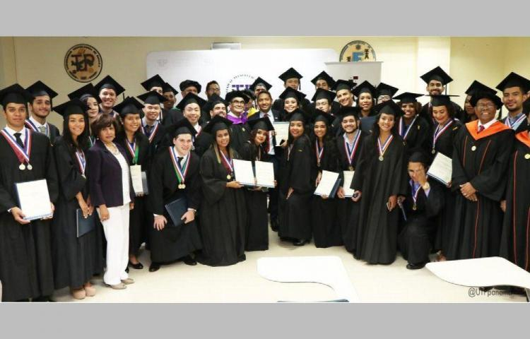 La UTP entregó 516 nuevos profesionales al país