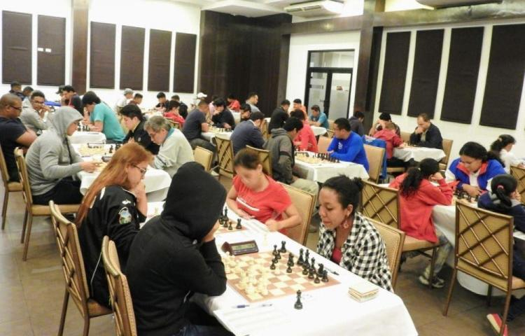 Sánchez y Rondón dominan las clasificaciones