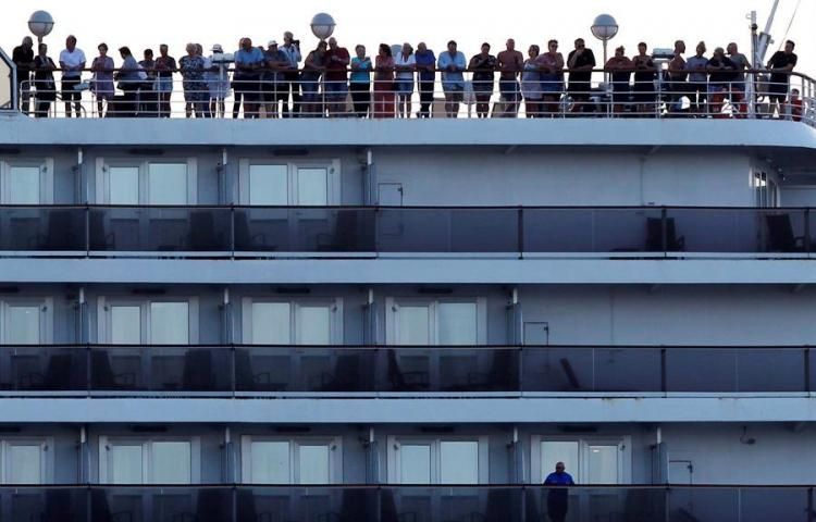 Llega a Camboya el crucero rechazado por cinco países por temor a coronavirus