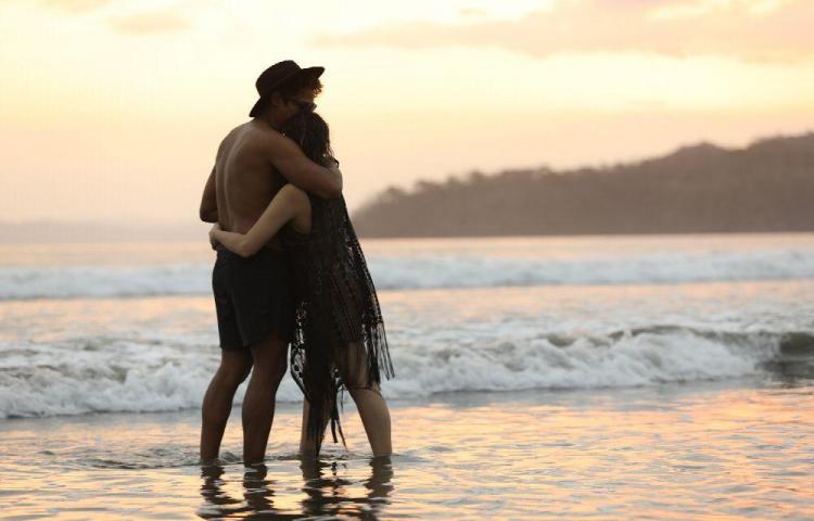 Que el amor y la amistad perduren para siempre en sus corazones