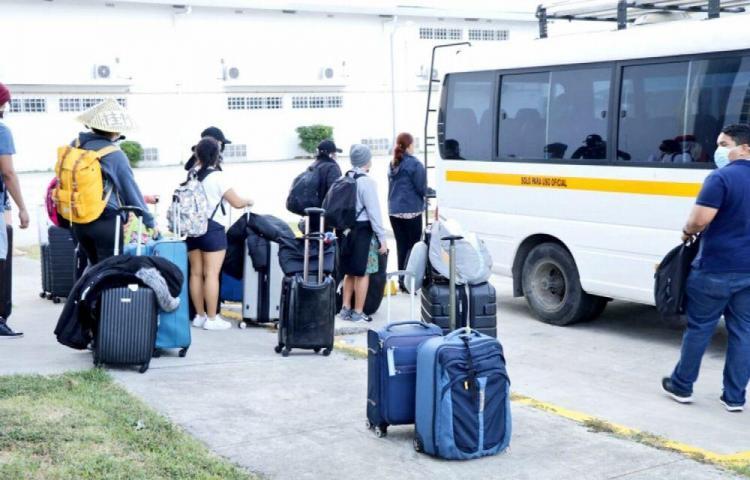 Alumnos aislados por coronavirus retornarán a casa