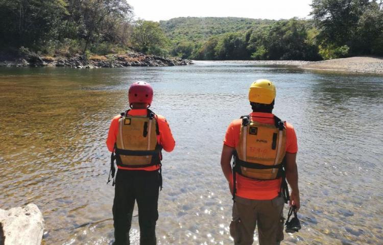 Niño de 7 años se fue detrás de sus padres y se ahogó en el río