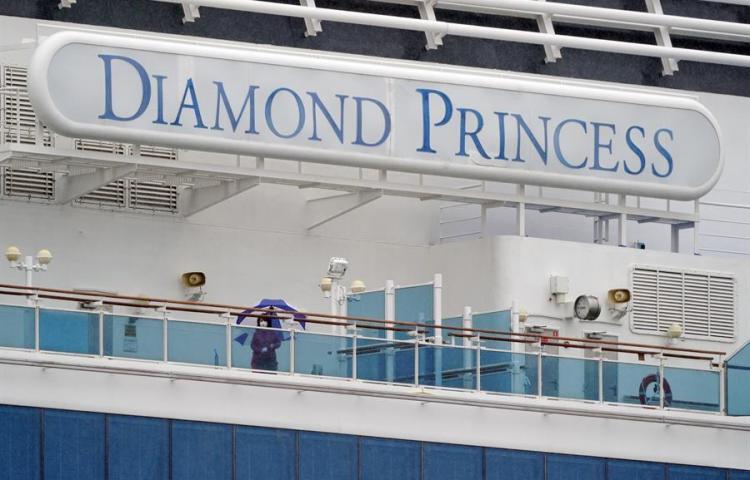 Chilena que iba en un crucero se encuentra ingresada por coronavirus en Japón