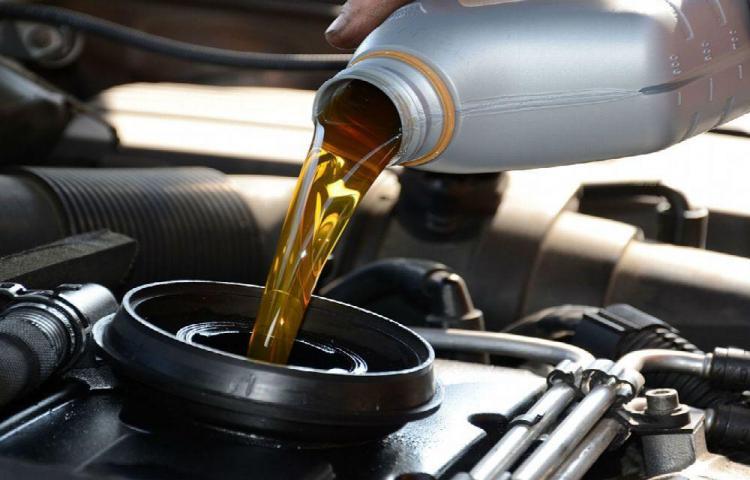 Cuatro consejos para el aceite de tu automóvil