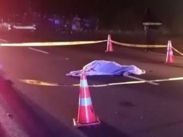 Ciclista no pudo llegar a su casa, un auto lo detuvo