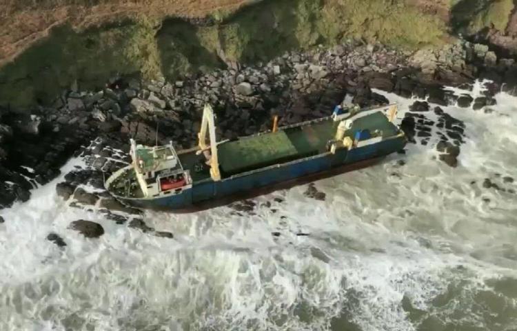 En Irlanda aparece barco con 545 días a la deriva