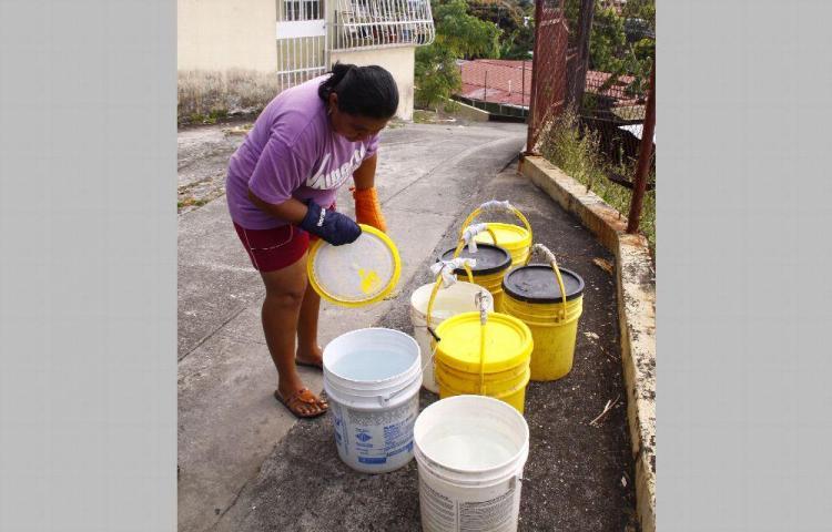 Los ciudadanos a lo gorgojo, otra vez se quedarán sin agua
