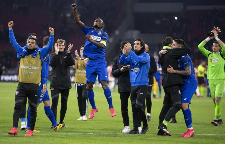 Inter, United y el Sevilla con apuros no fallan; el Getafe acaba con el Ajax