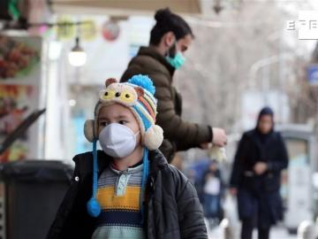 Suben a 34 los muertos por coronavirus en Irán, que cancela rezos del viernes