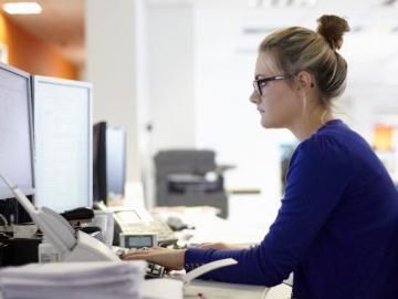 Solo el 25% de las mujeres labora en la industria de la tecnología