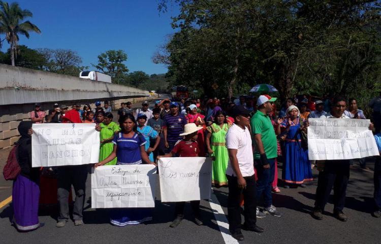 Protestas por colegios sin terminar