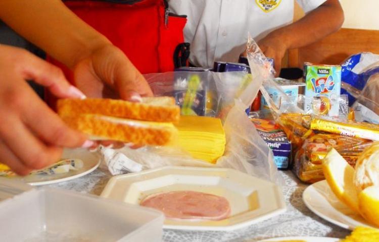 Loncheras saludables, ¿qué alimentos incluir y cuáles evitar?