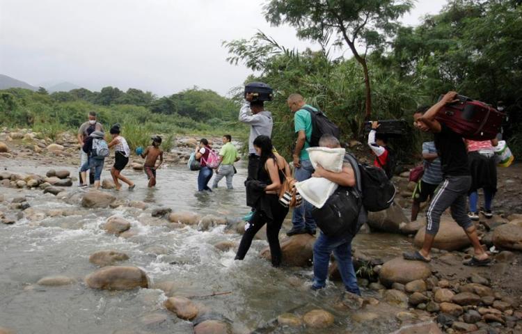 Venezolanos estancados en frontera con Colombia, otras víctimas del COVID-19