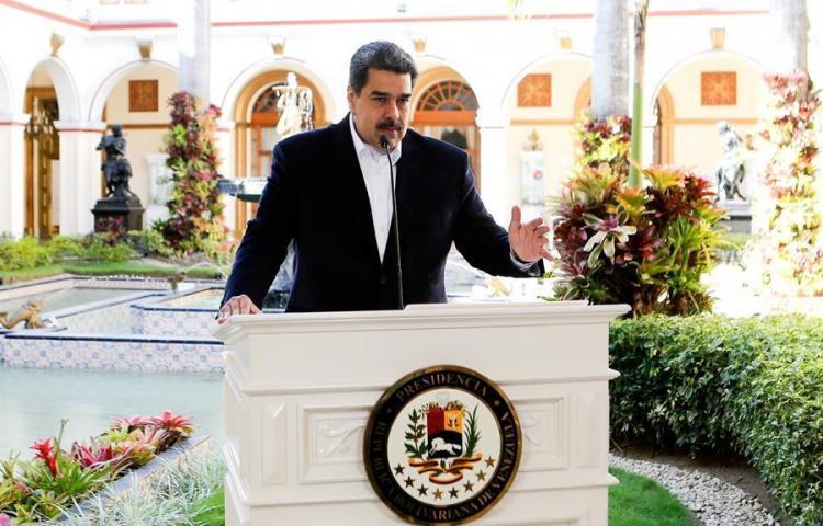 """Venezuela declara siete estados y Caracas en """"cuarentena social"""" por el COVID-19"""